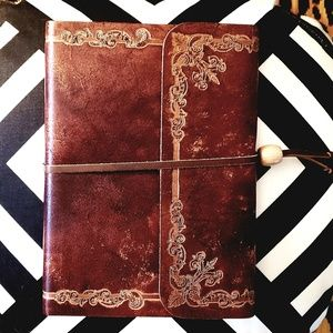 """🆕️Rinascimento """"embossed"""" brown leather journal"""